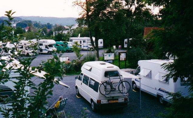 De T4 Exclusive op een beroemde stellplatz: Die in  Rotenburg/Fulda werd als eerste speciaal voor campers aangelegd.