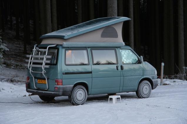 T4 California op winterkampeerexpeditie in de Harz