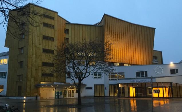 Vanaf de Matthäikirchplatz heb je prachtig uitzicht op de Philharmonie, Potsdamer Platz, de Staatsbibliothek...