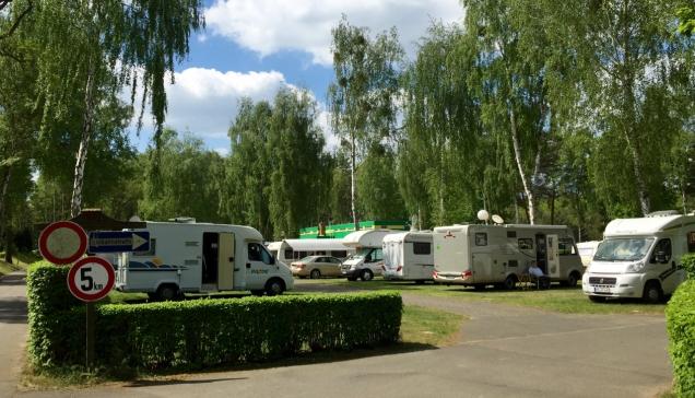 Het centrale passantenveld van DCC-camping Kladow