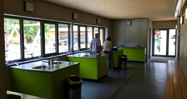 De design-afwaskeuken van camping Morteratsch
