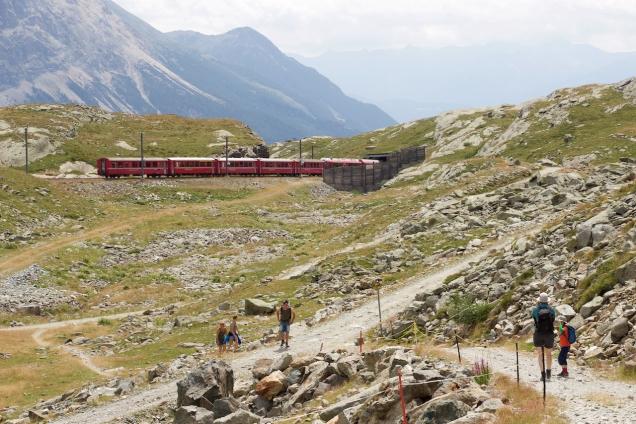 De wandeling van station Bernina-Hospiz naar Alp Grüm
